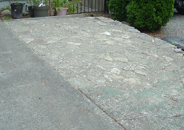 Free sidewalk pieces created a wonderful extension to the driveway.