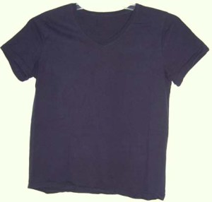 Since my basic wardrobe-palette color is black, the plain tee-shirt I choose when packing light is also in that color.